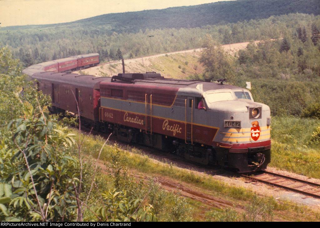 FA2 Locomotive near Mont-Laurier Qc