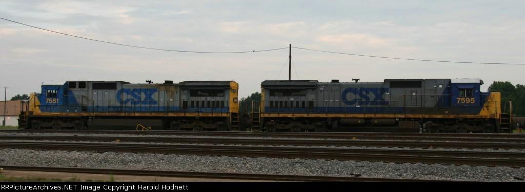 CSX 7581 and CSX 7595 await their next assignment