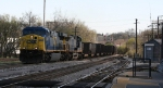 CSX 607 leads an empty hopper train westbound