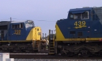 CSX 702 faces CSX 439 in an EMD vs GE stance