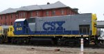 CSX 1543 is the last of 10 locos on train Q409