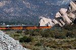 BNSF4295, BNSF3965, BNSF4275 and BNSF5526 passing Mormon Rocks