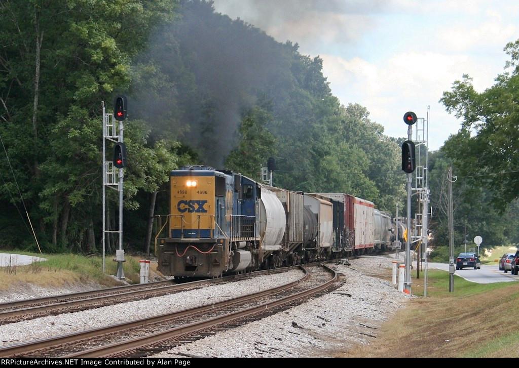 CSX SD70M 4696 smokes it up