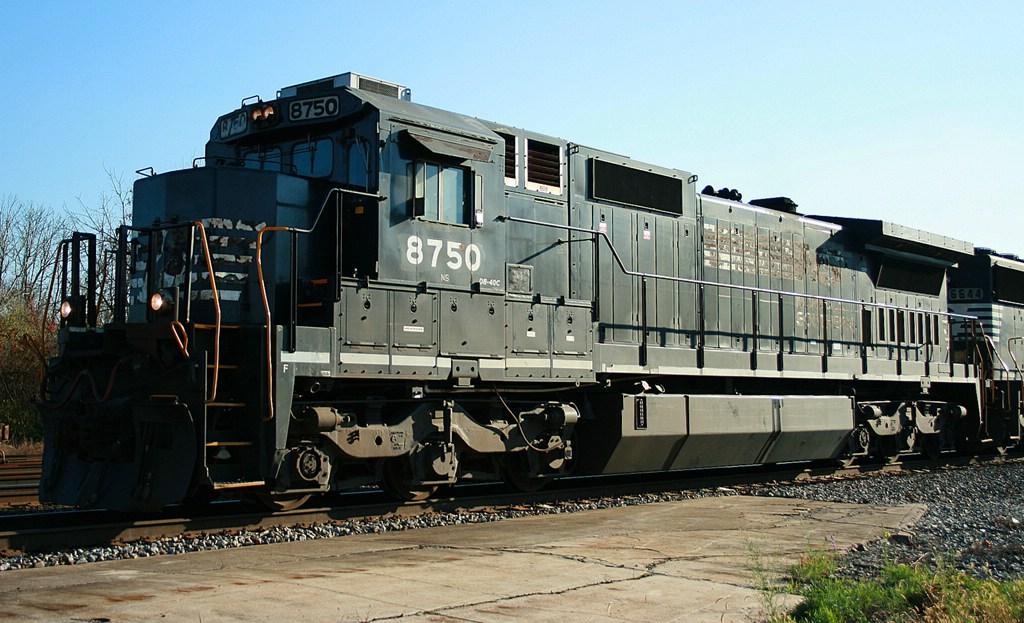 NS 8750