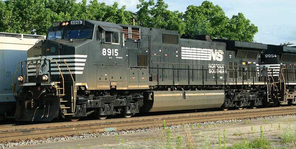 NS 8915
