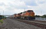 BNSF 8044 Leads Autoracks