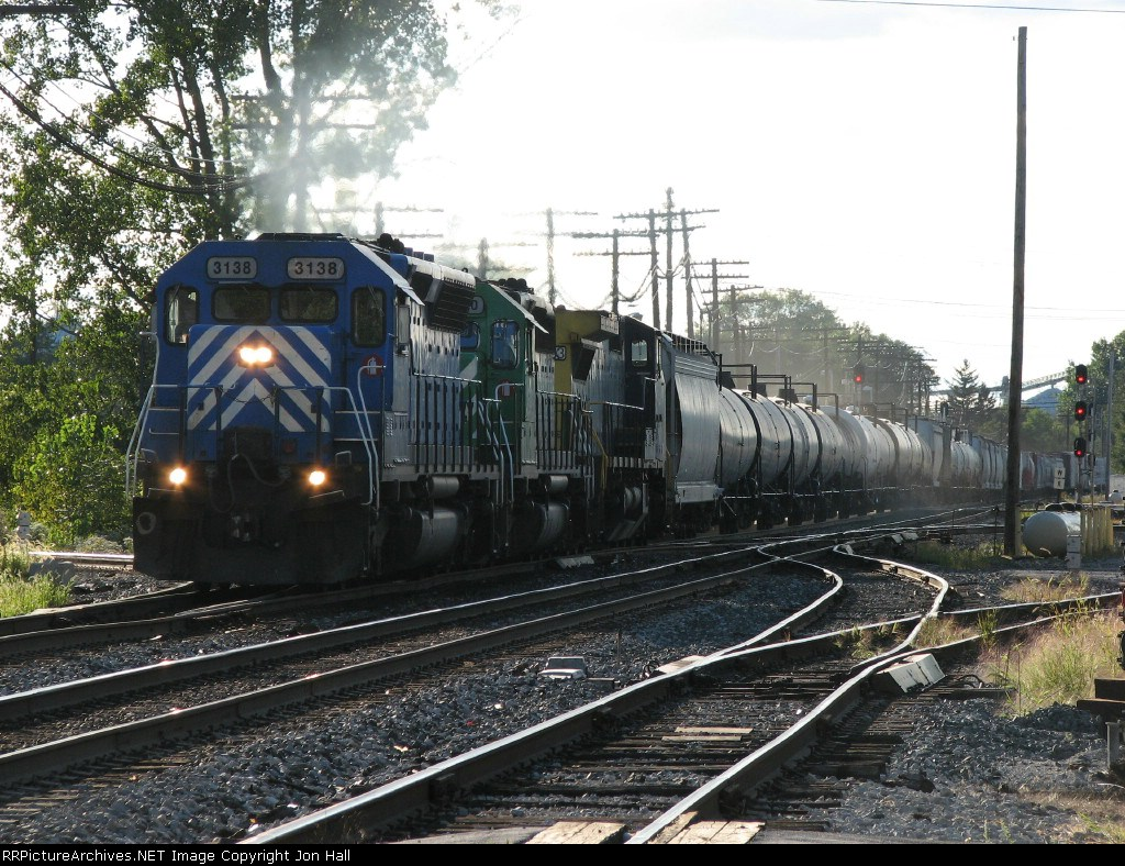 CEFX 3138 leading Q378 eastward