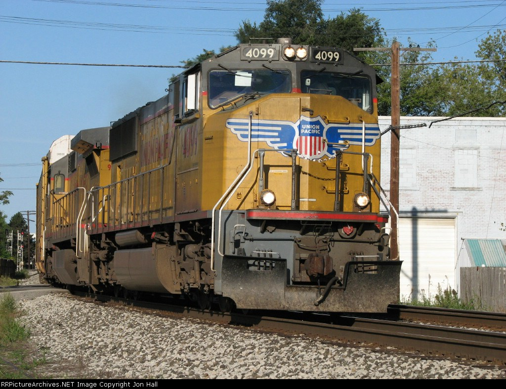 UP 4099 & 9203 leading 288