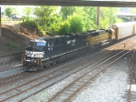 NS 7539 & HLCX 5999 coming east with 24V