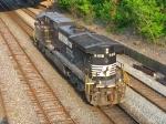 NS 9418 rolling west light