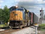 CSX 4721 leading Q375-15 past the eastbound signals for the NKP diamonds