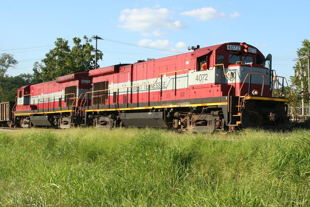 WTNN power on SB freight