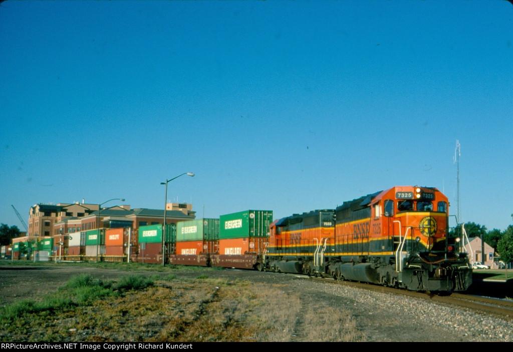 BNSF 7325