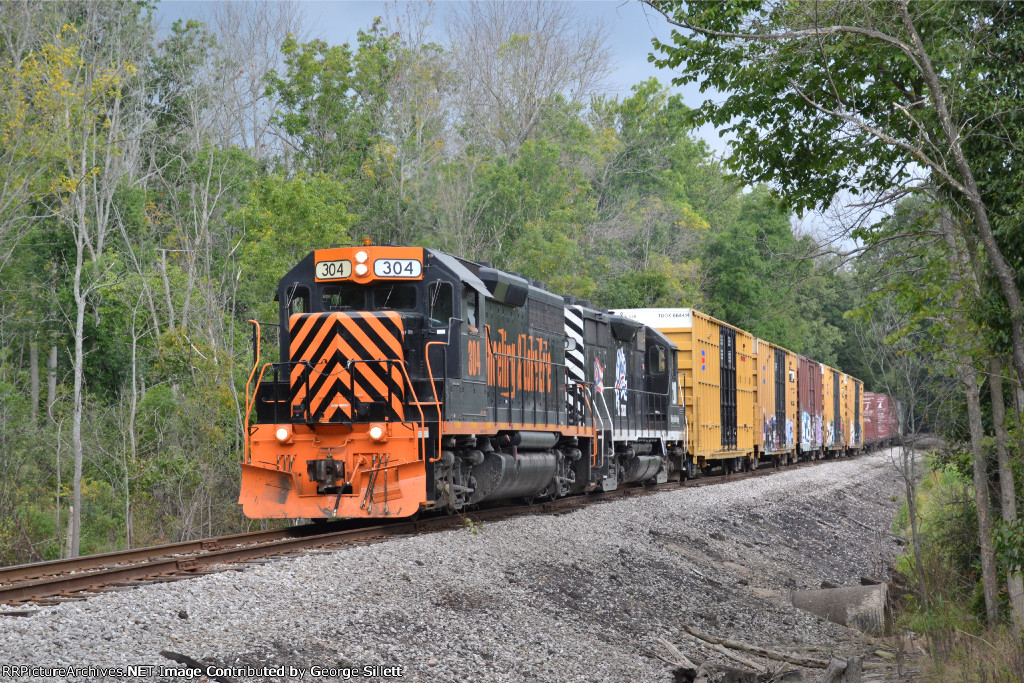 A little while later we catch them heading back south through Twinsburg.