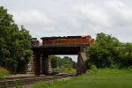BNSF7571 and CSX4707 passing Peck Park