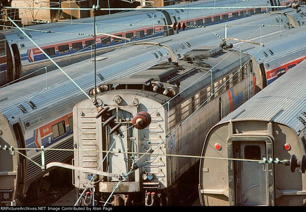 Amtrak E-8A 497