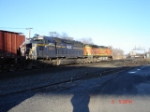 HLCX 9014 (SD40M-2) & BNSF 4746 (C44-9W) heading into DeWitt Yard