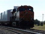 BNSF ES44C4 7012