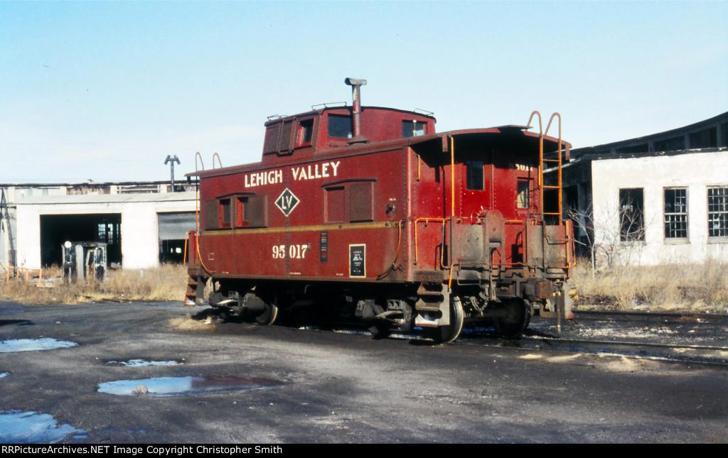 LV 95017