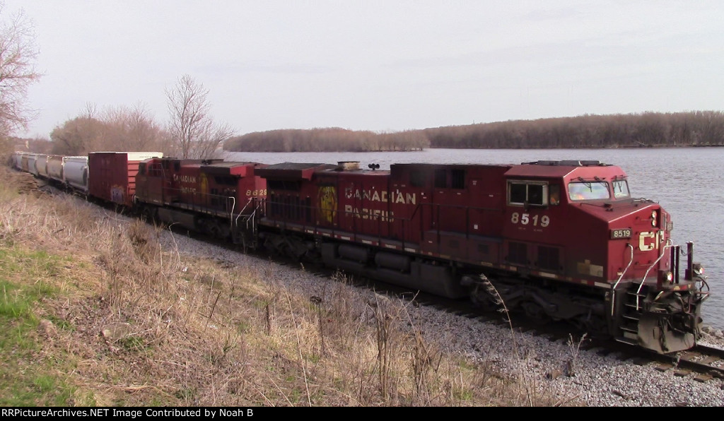 CP B38 Southbound @ Riprow Valley, Dubuque, Iowa