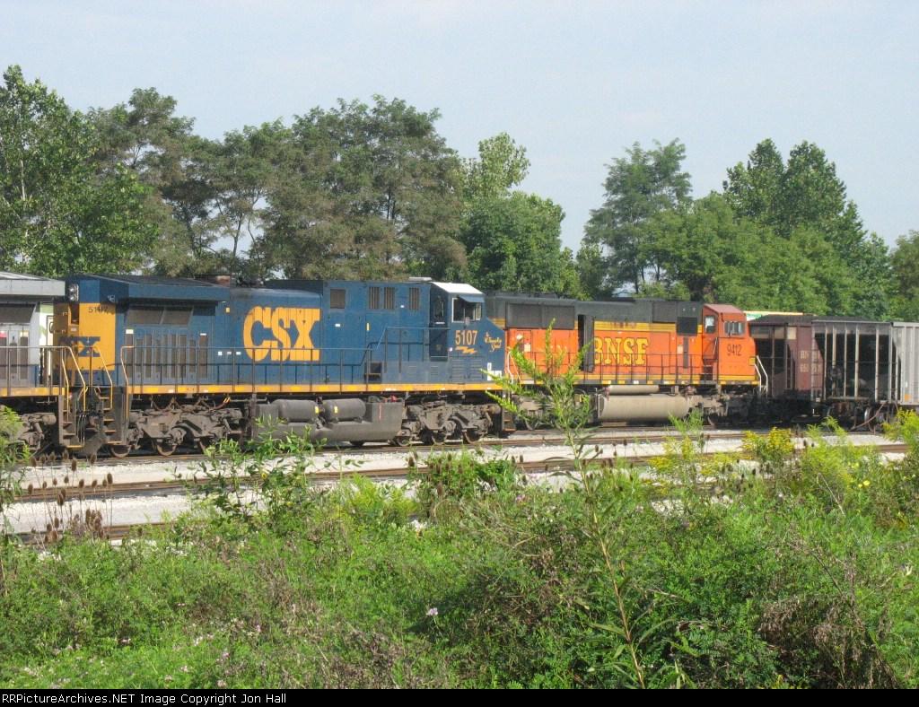 CSX 5107 & BNSF 9412
