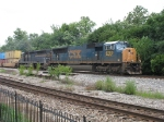 CSX 4780 & HLCX 9008 roll east with Q138