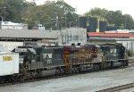 NS 2536 (SD70) 8102 (ES44AC) Pennsylvania Heritage Unit. 2568 (SD70)