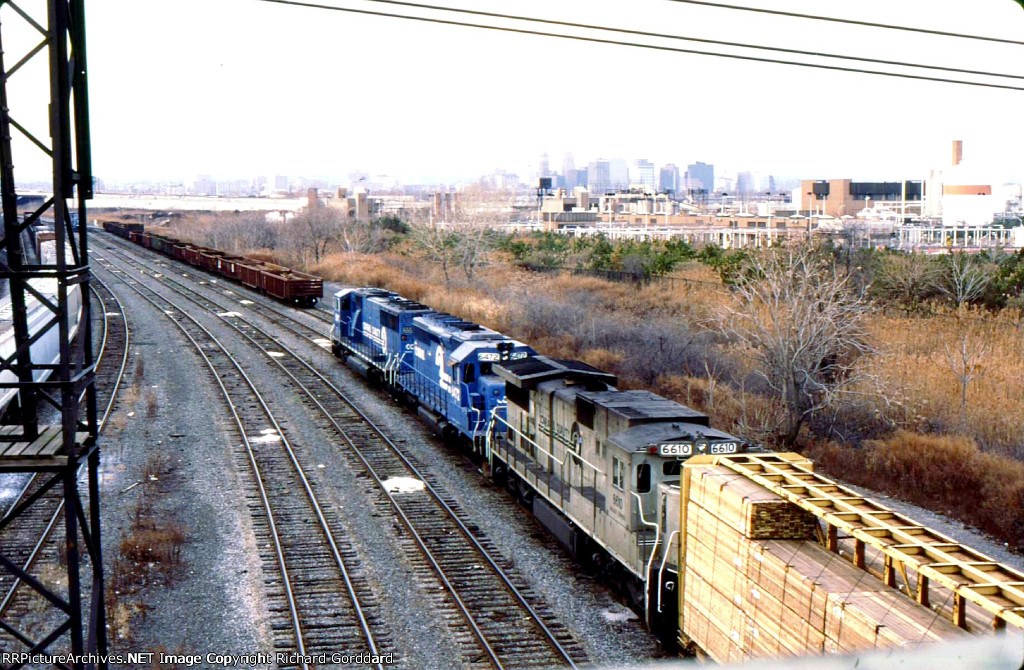 Southbound mixed goods