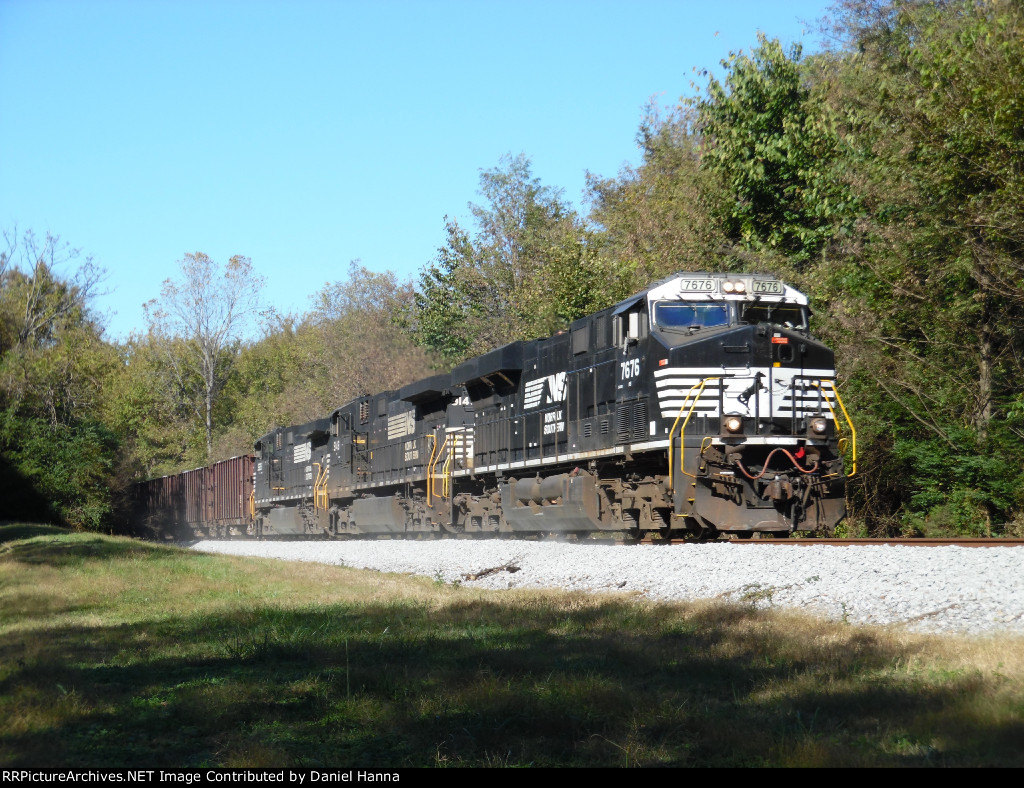 NS 929 heads east behind of a trio of NS GE's