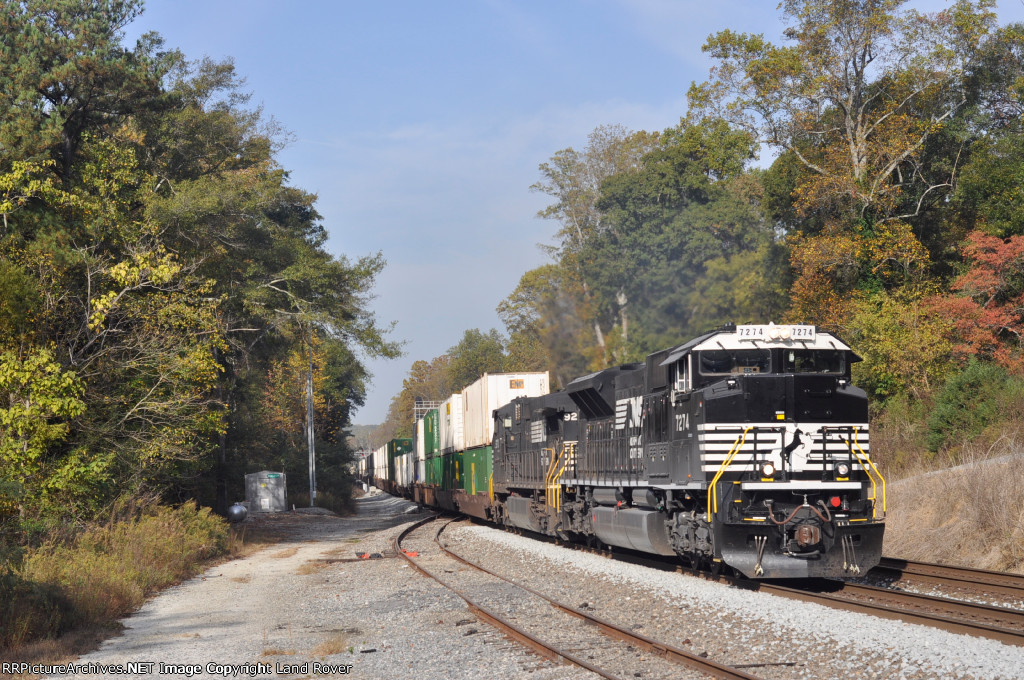 NS 7274 On NS 285 Southbound
