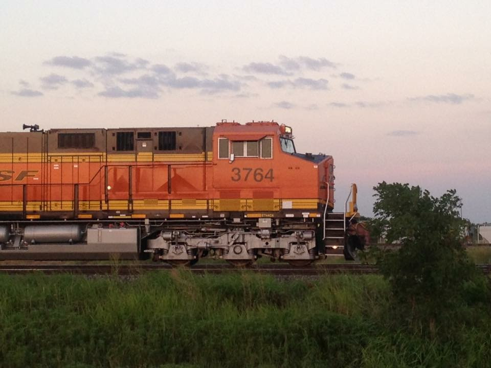 BNSF ET44C4 3764