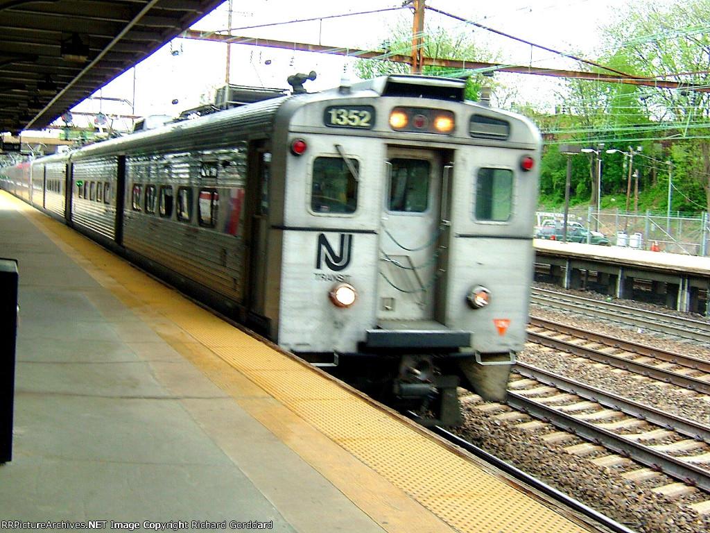 NJT 1352