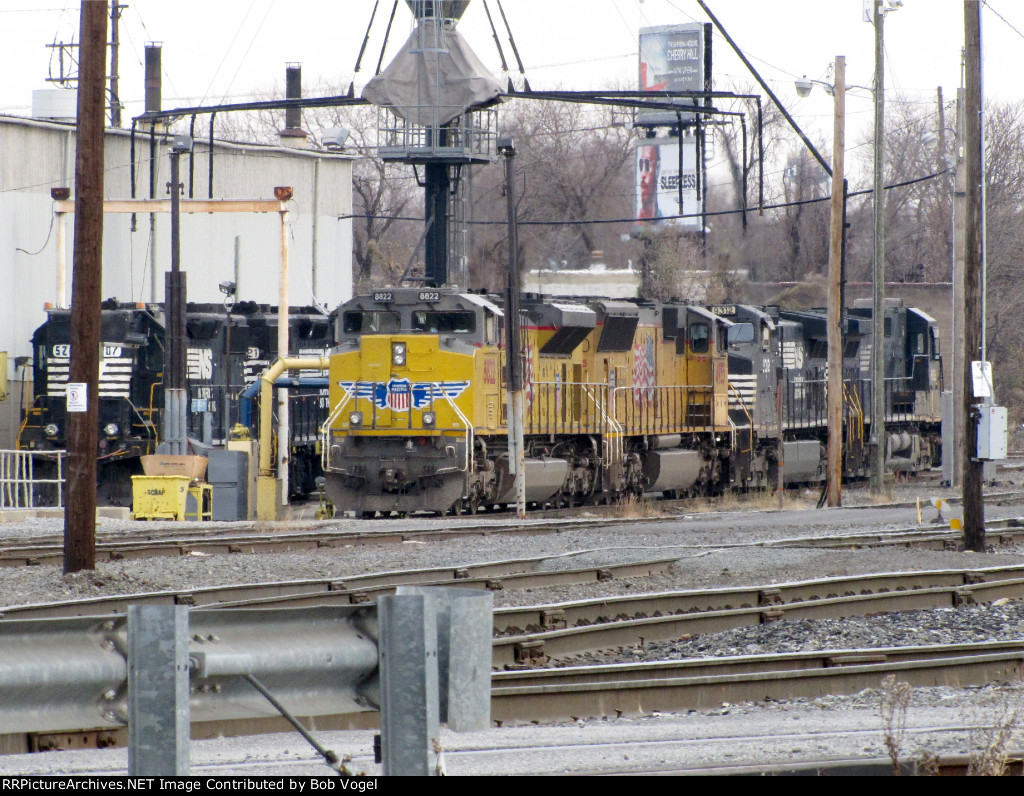 UP 8822 and 4955