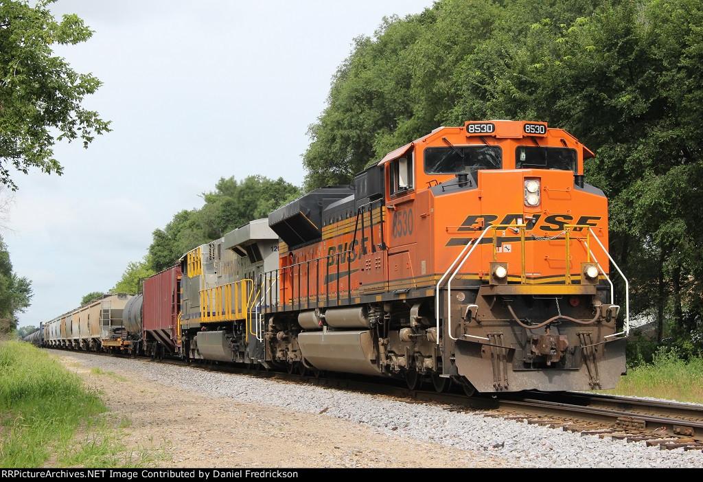 BNSF 8530