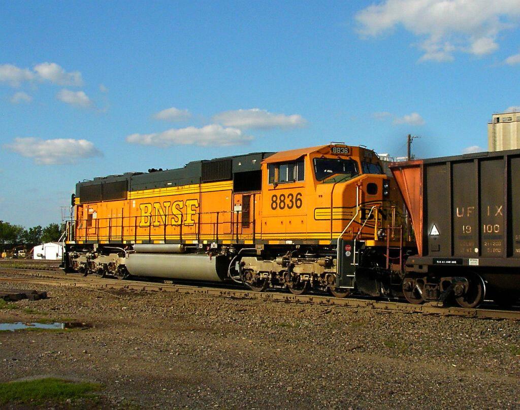 BNSF 8836