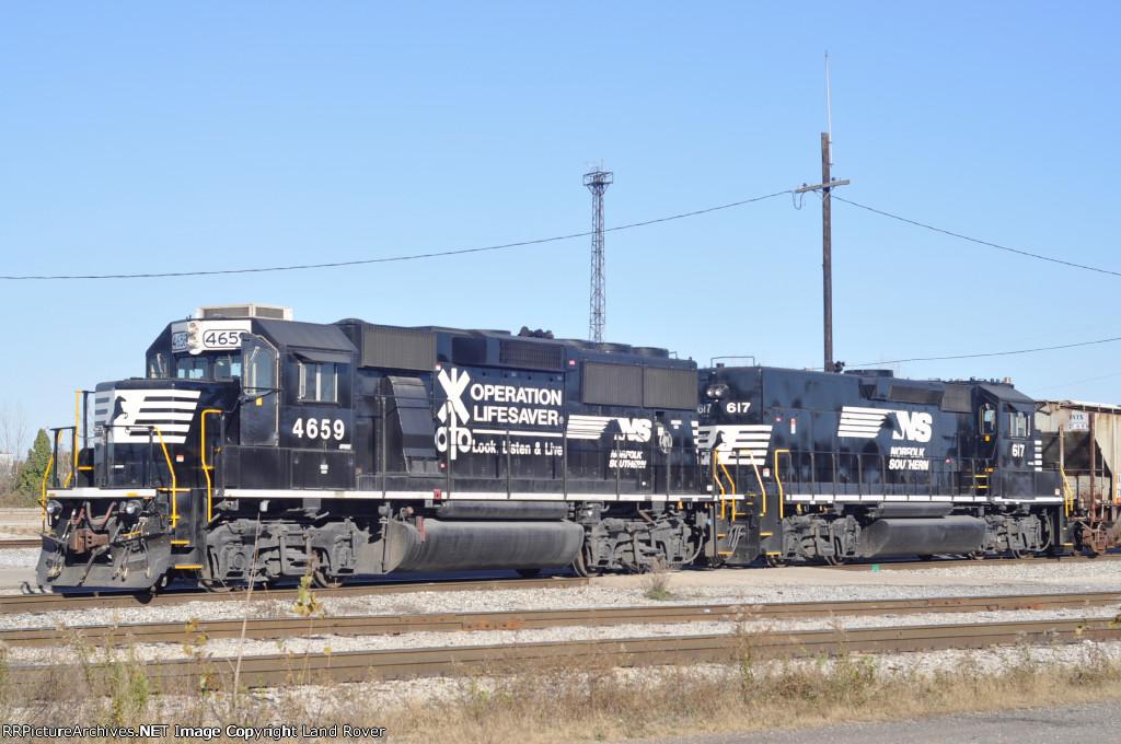 NS 4659 & 617 In The Pitt At Sharon Yard
