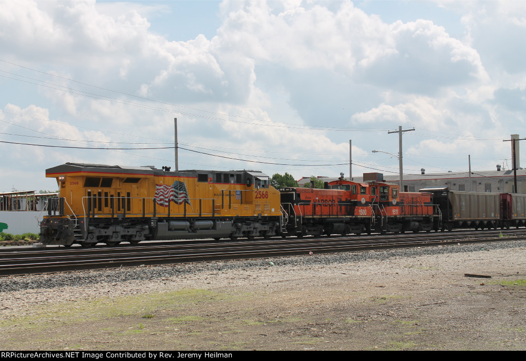 UP 2568 & others (3)