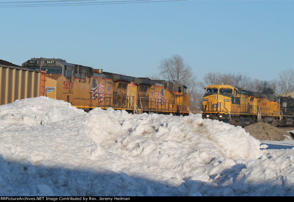 UP 6039 & others (1)