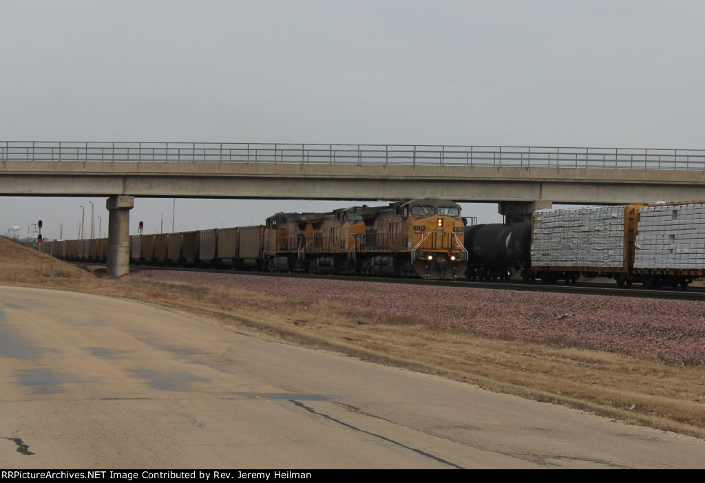 UP 6756 & others (1)