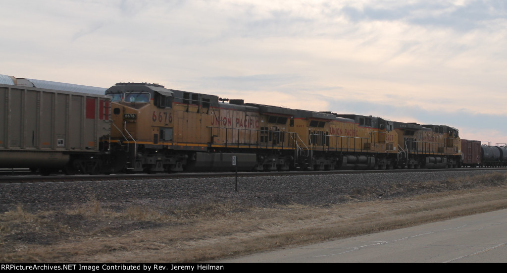 UP 6756 & others (4)