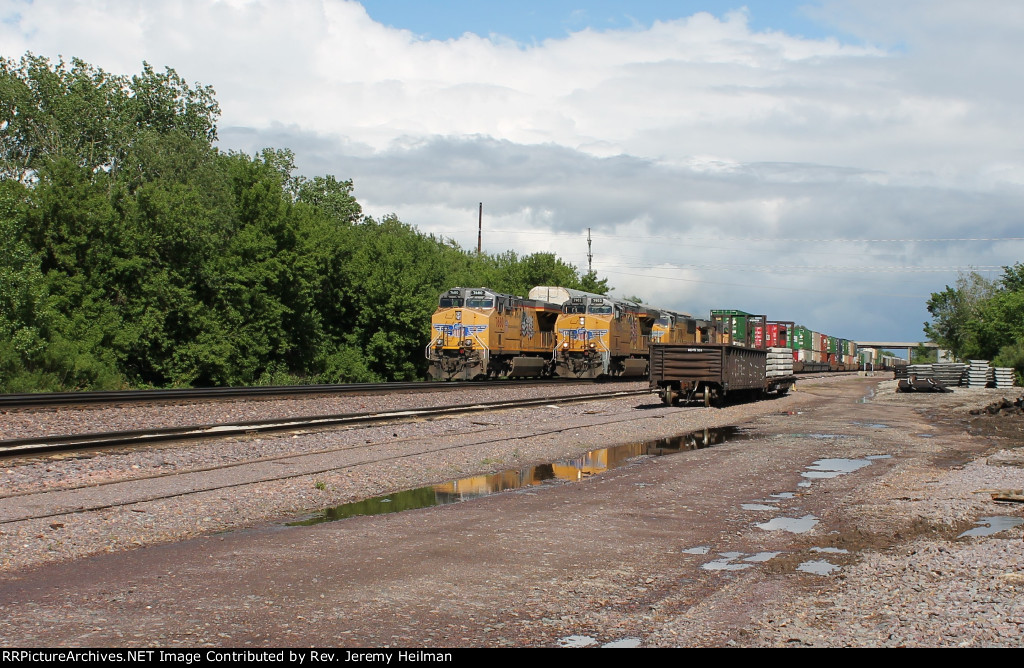 UP 7902 & others (1)