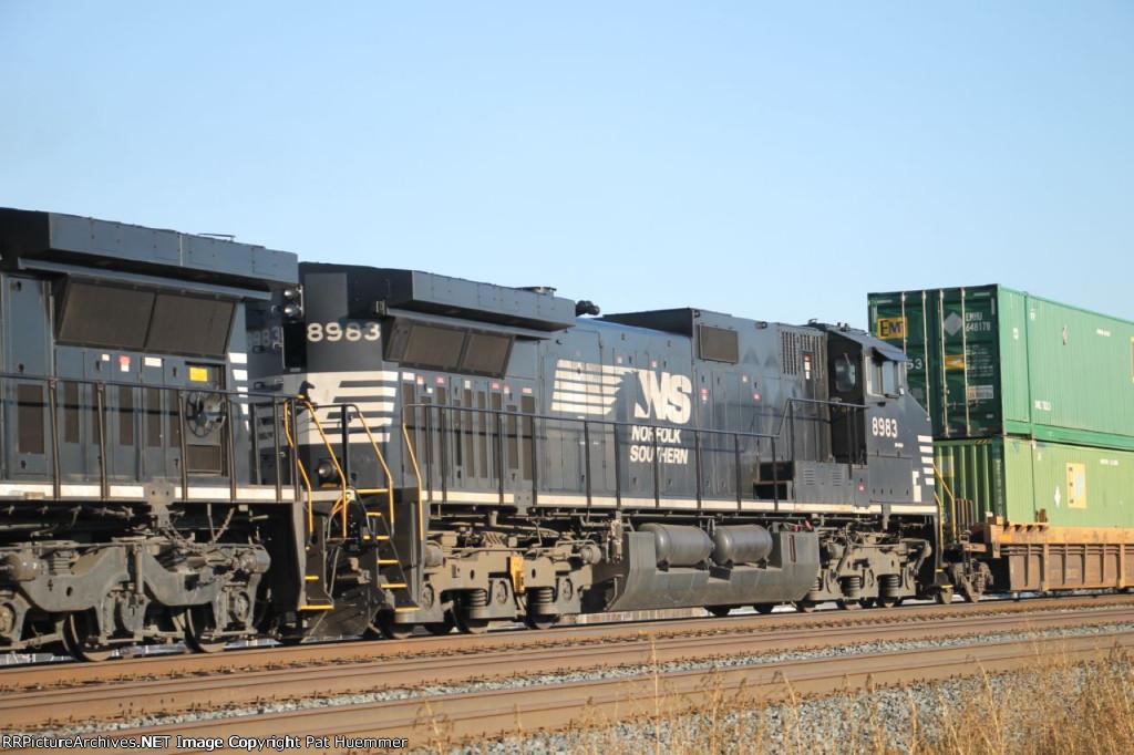 NS 8983