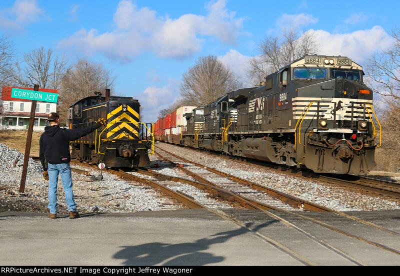 NS 223 / Lucas Oil Railroad