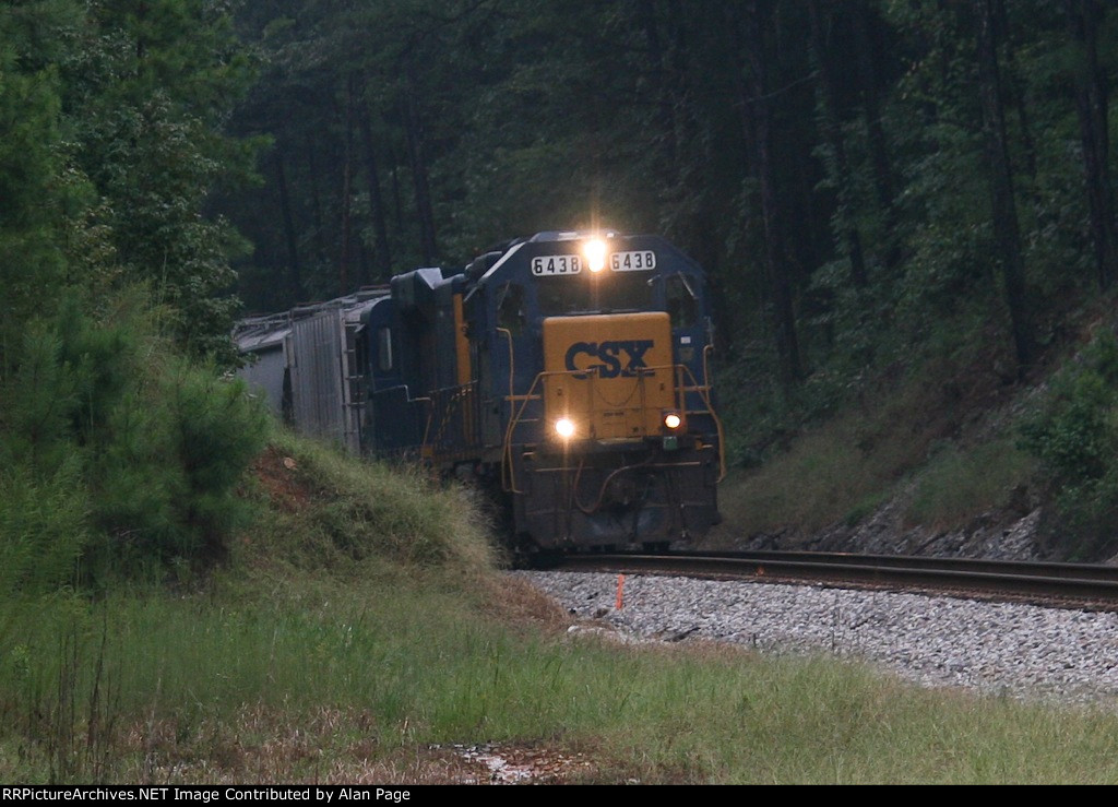 CSX GP40-2 6438 and mate 2264