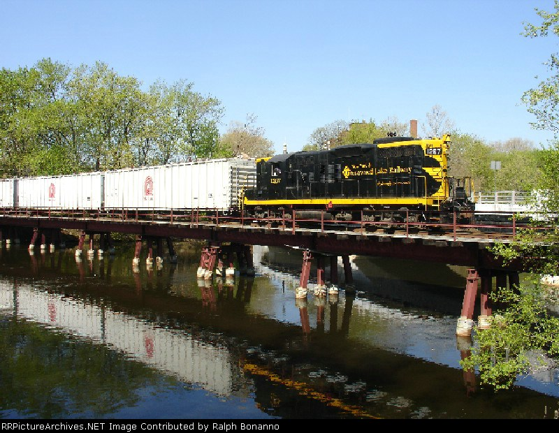 GP-9 # 1267 seen drilling cars on half moon trestle
