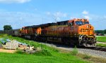 BNSF 6272 and 5936
