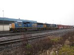 CSX 4812 and 995