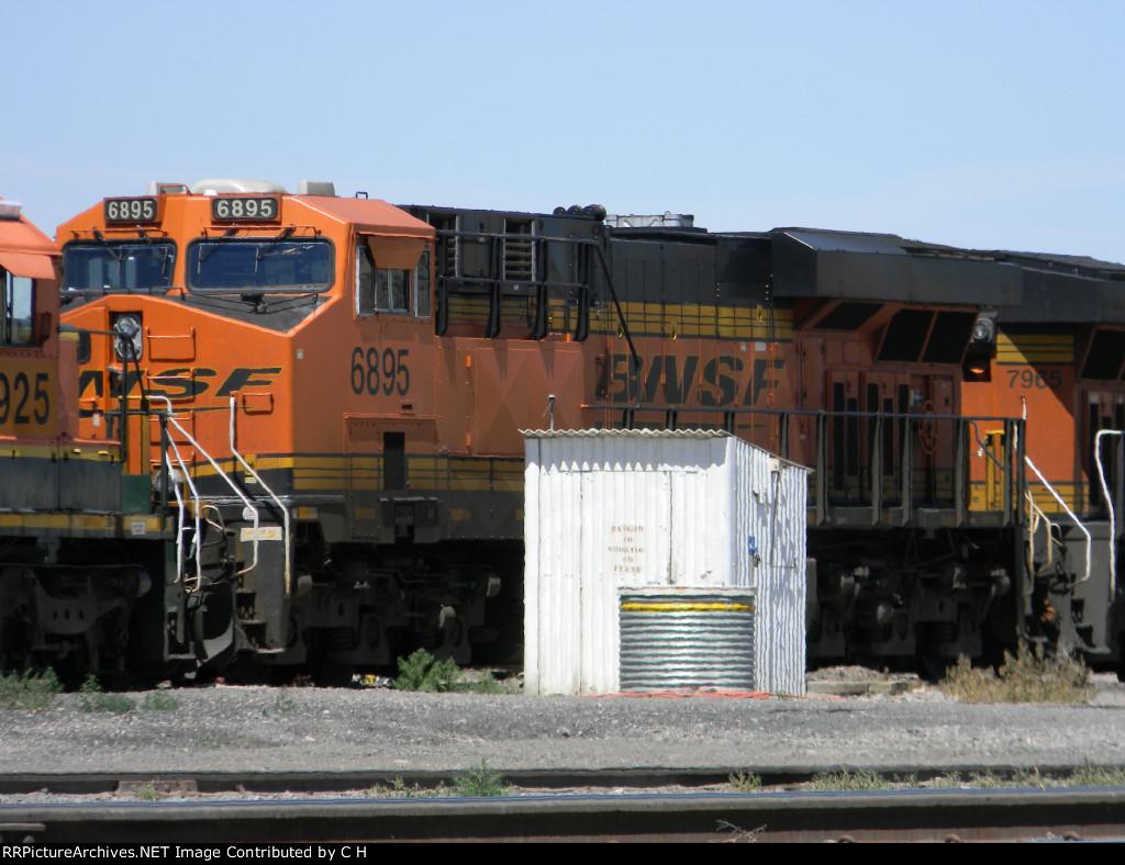 BNSF 6895
