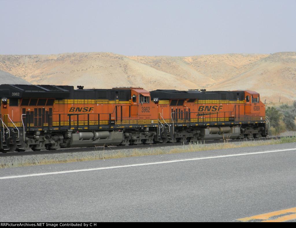 BNSF 3962/6389