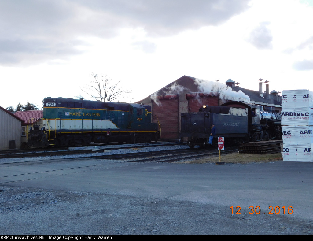 Maine Eastern GP9 764 and SRC 90